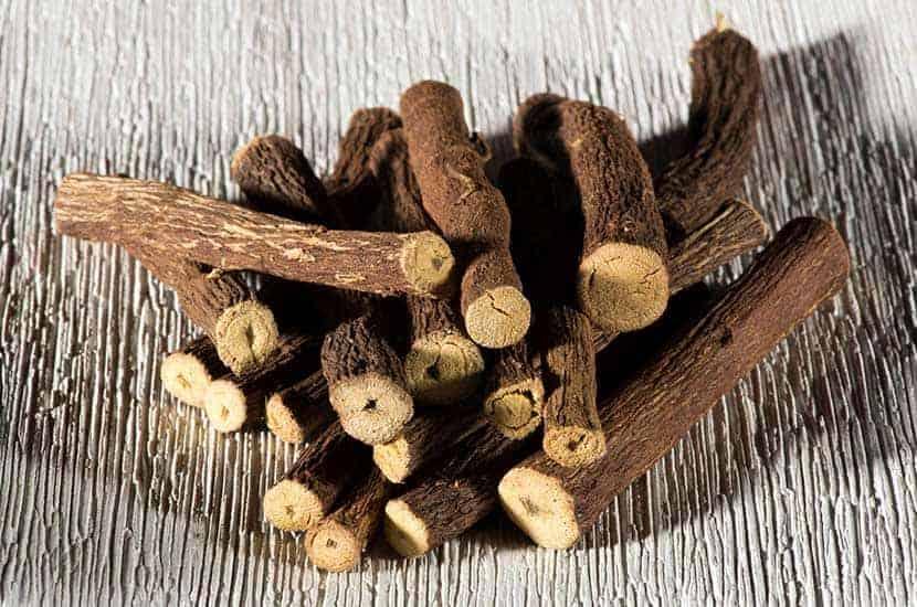 Wyciąg z korzenia lukrecji jest stosowany jako afrodyzjak w wielu krajach.