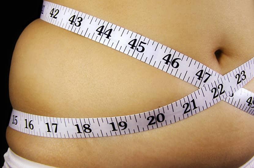 Nadmierna waga może powodować poważne problemy zdrowotne.