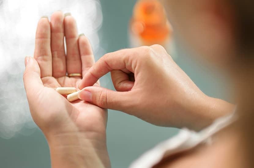 Popołudniowe tabletki składają się m.in. z bromeliny i pieprzu.